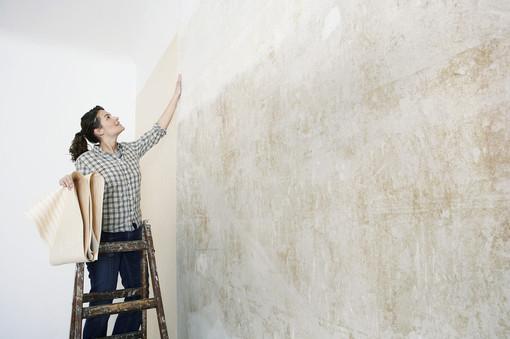 Poser Du Papier Peint Avec Raccord Un Revetement Tapisser Intisse